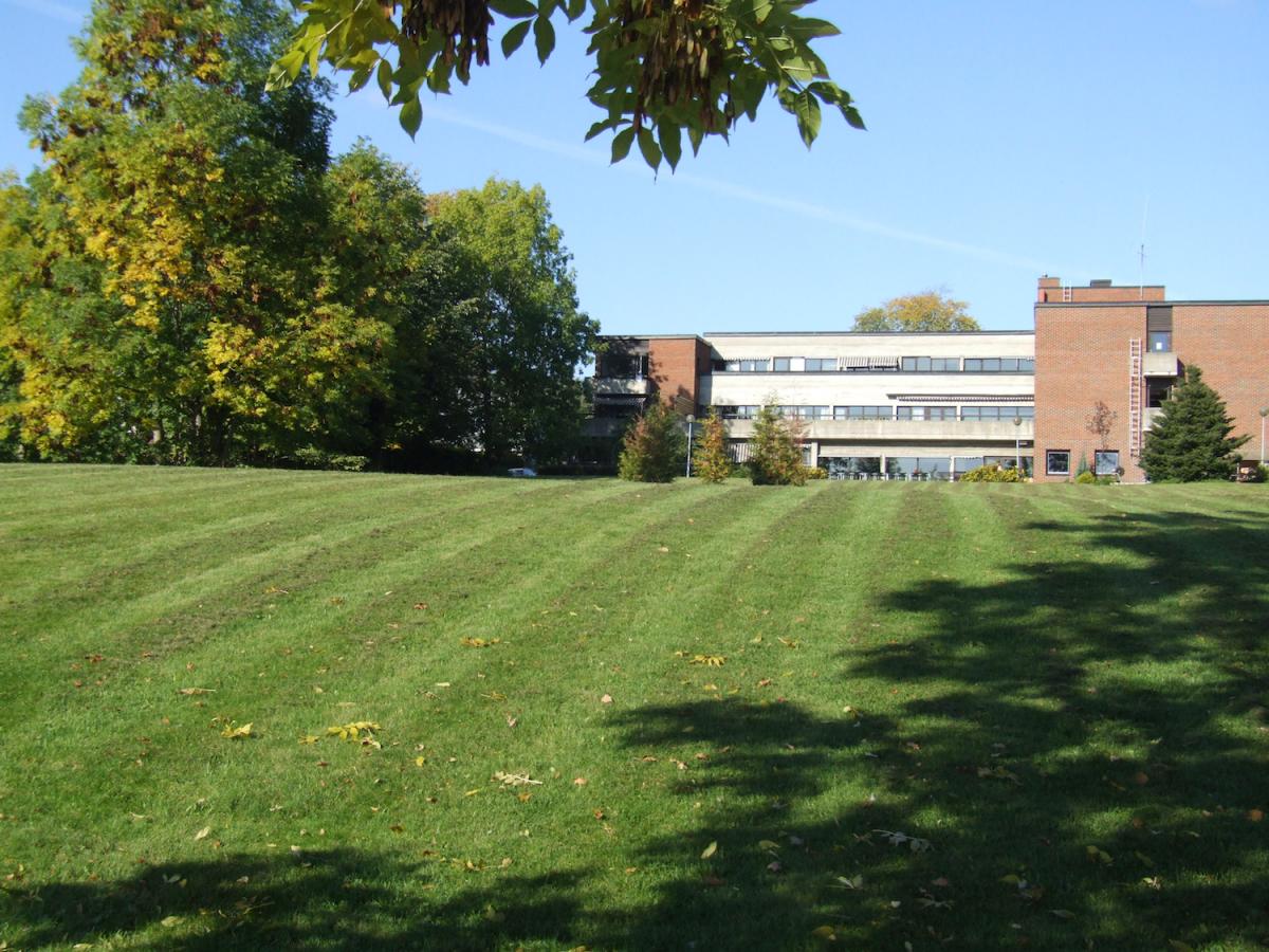 En av skolens bygninger.